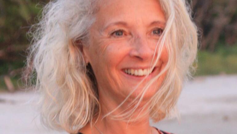 Suzanne Almbring