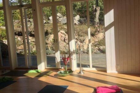 26-28 juni: Sommarretreat med yinyoga och meditation (max 10 deltagare)