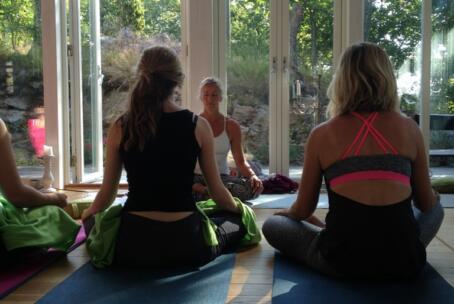 31 juli-2 aug: Sommarretreat med yinyoga och meditation (max 10 deltagare)